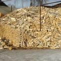 Срубы дрова колотые