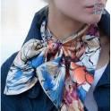 Французский шейный платок