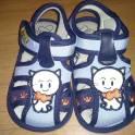 продам детскую обувь недорого