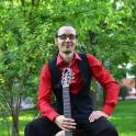 Опытный педагог-гитарист дает уроки игры на гитаре и укулеле  с нуля!!!
