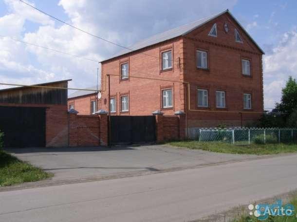 Продаётся кирпичный дом, Тюменская обл. ул.Нефтянников 12, фотография 1