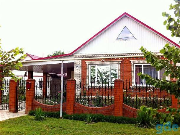 Продается 2 жилых дома на участке 15 соток, Краснодарский край, ст.Новопокровская, ул.Суворова, дом 143, фотография 1