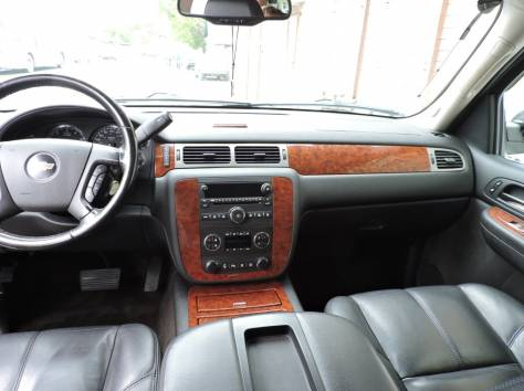 Chevrolet Tahoe 5.3 AT (324 л.с.) 4WD 2008, фотография 2