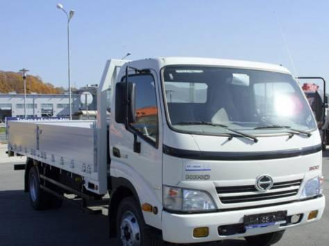 Бортовые грузовики Toyota HINO:серия 300, серия 500, фотография 1