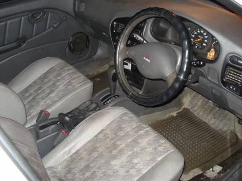 Mitsubishi Liberо, фотография 5
