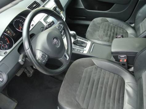 Volkswagen Passat 1.8 AT (152 л.с.) 2012, фотография 4