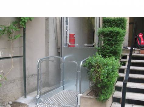 Вертикальный подъёмник для инвалидов, фотография 1