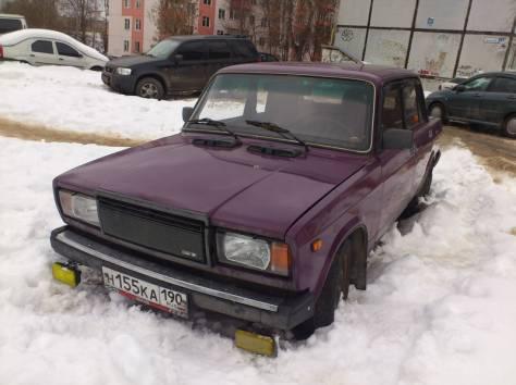 Продаю ВАЗ 2107, цвет фиолетовый, сост. хор, литье и новая лет. резина, фотография 1