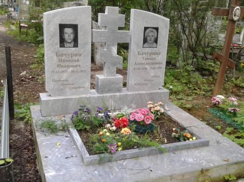 Надгробные памятники, фотография 7