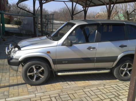 Продам  Chevrolet Niva, 2004 г., фотография 3