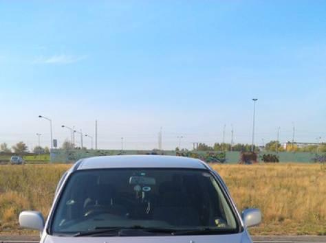 Nissan Pressage (минивен), фотография 2
