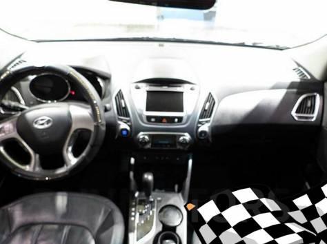 Hyundai Tucson 2011 год, фотография 5