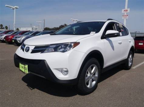 Toyota RAV4 2013 год (белый), фотография 1