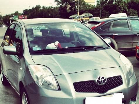 Toyota Yaris 2006, фотография 2