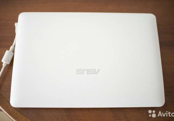 Нетбук Asus Eee PC 1015BX, фотография 4