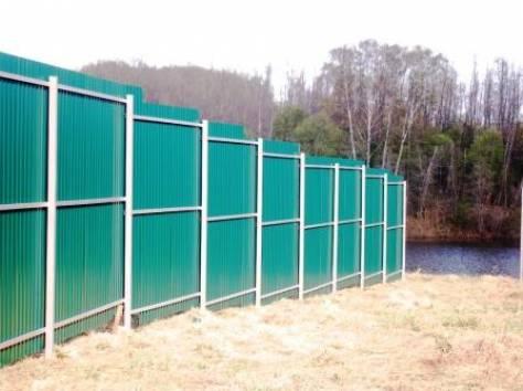 Забор из профнастила с уклоном