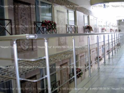 Перила стеклянные, прозрачные и алюминиевые, фотография 4