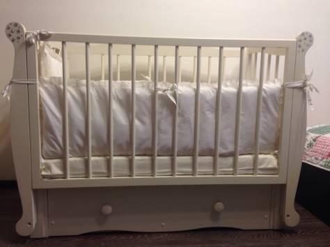 Продам детскую кроватку+комод с пеленальным столом+бортики в кроватку, фотография 2
