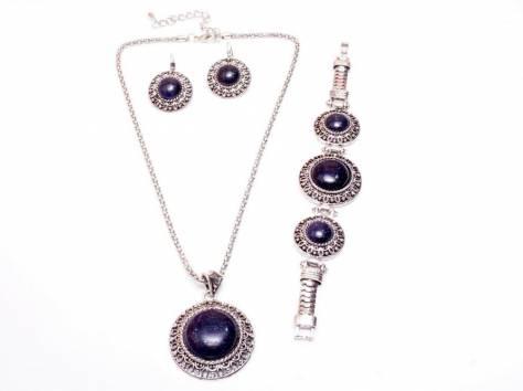 f3b9eda74b28 Эксклюзивные украшения из натуральных камней   Ювелирные украшения в ...