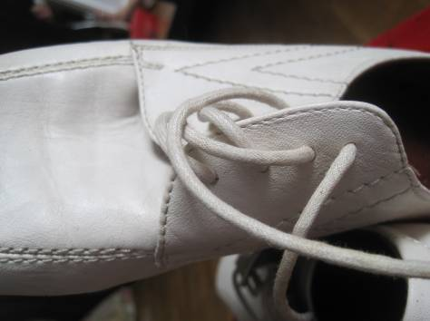 Туфли новые, 100 % натуральная кожа, размер сорок один ( сорок первый ) ( 41 ), белого и чёрного цветов, модели разные,, фотография 4