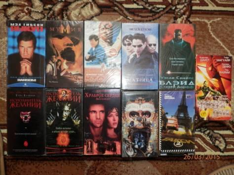Видеокассеты с фильмами и видеоклипами, фотография 1