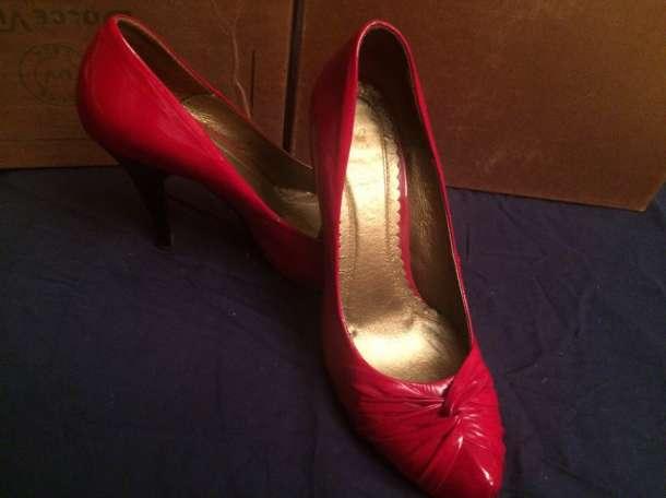 Продам красные лаковые туфли, фотография 2