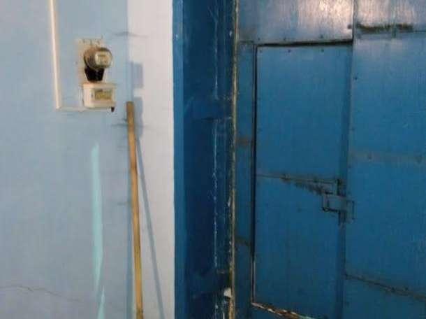 Продам гараж 6*4, Россия, Иркутская область, 254-й квартал, фотография 2
