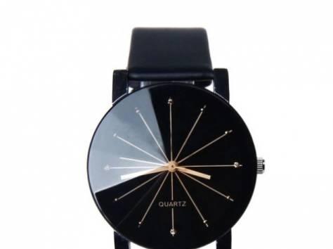 Стильные часы QUARTZ, фотография 1