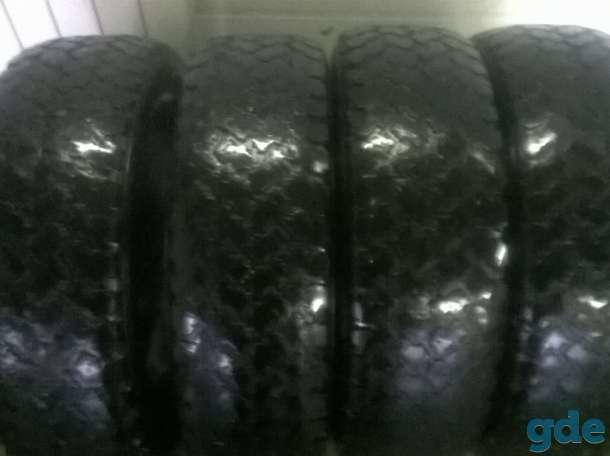 Продам комплект широкой резины на ниву, фотография 1