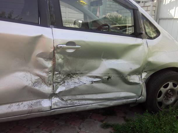 Продам Toyota Ractis 2008г, фотография 4