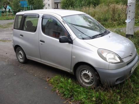 Toyota Funcargo, 2002 г., фотография 1