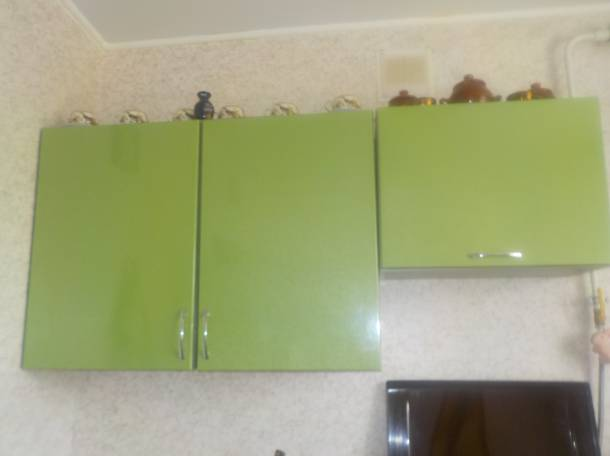 Кухонный гарнитур и газовая плита, фотография 4