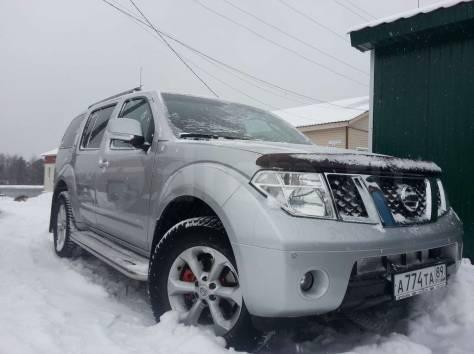 Nissan Pathfinder, фотография 2