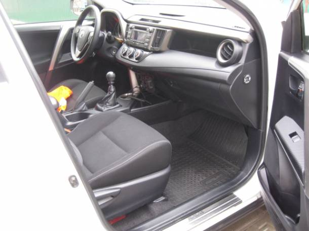 Toyota RAV 4, фотография 4
