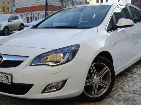 Opel Astra 1.4 Turbo MT (140hp) '2011, фотография 1