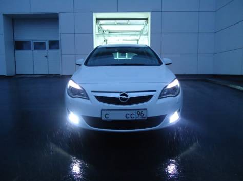 Opel Astra 1.4 Turbo MT (140hp) '2011, фотография 3