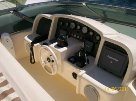 Яхта Astondoa 66 (Casual), 2001 года, фотография 7