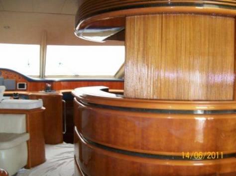 Яхта Astondoa 66 (Casual), 2001 года, фотография 8