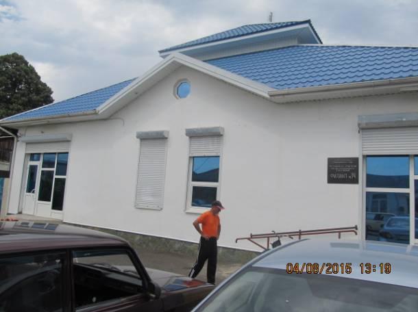 Торгово-Офисный комплекс в Центре Усть-Лабинска, ул. Свободная, фотография 1