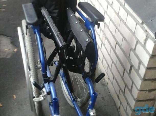 Инвалидное кресло и костыли, фотография 3