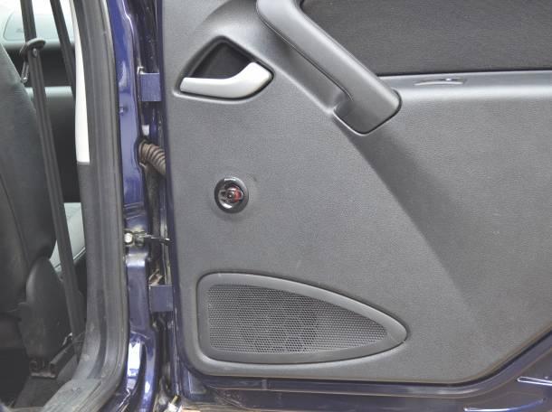 Гранта  лифтбек ,  комплектация люкс,  цвет темно- синий, год выпуска 2015, отличное состояние , фотография 10