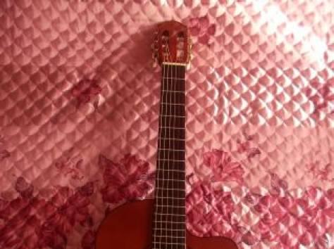 Акустическая гитара, фотография 1