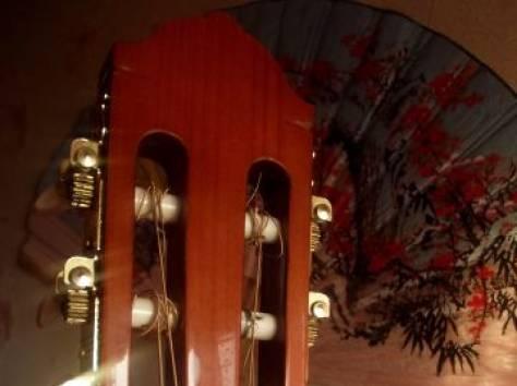 Акустическая гитара, фотография 4