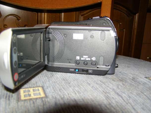 Цифровая видеокамера Sony DCR-SR46E, фотография 2