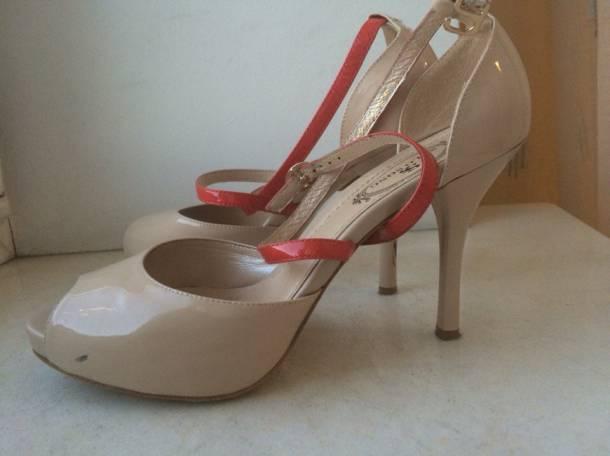 Туфли натуральные лакированные с перемычкой, фотография 3