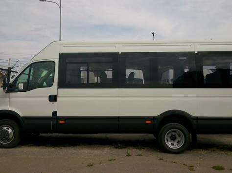 Микроавтобус Ивеко Дейли 2014 г., фотография 1