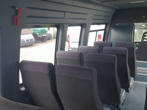 Микроавтобус Ивеко Дейли 2014 г., фотография 6