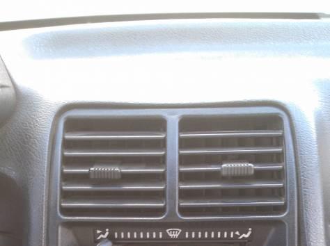 ВАЗ 21102, 2004г, 135 т.р., фотография 11