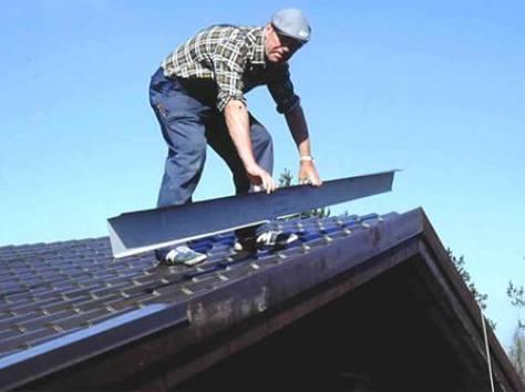 Монтаж металлочерепицы на крышу