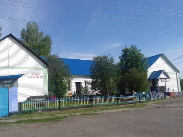 Действующий магазин, здание под бизнес и жилое, село Старая Ювала Кожевниковского района улица Ульяновская 1а, фотография 2
